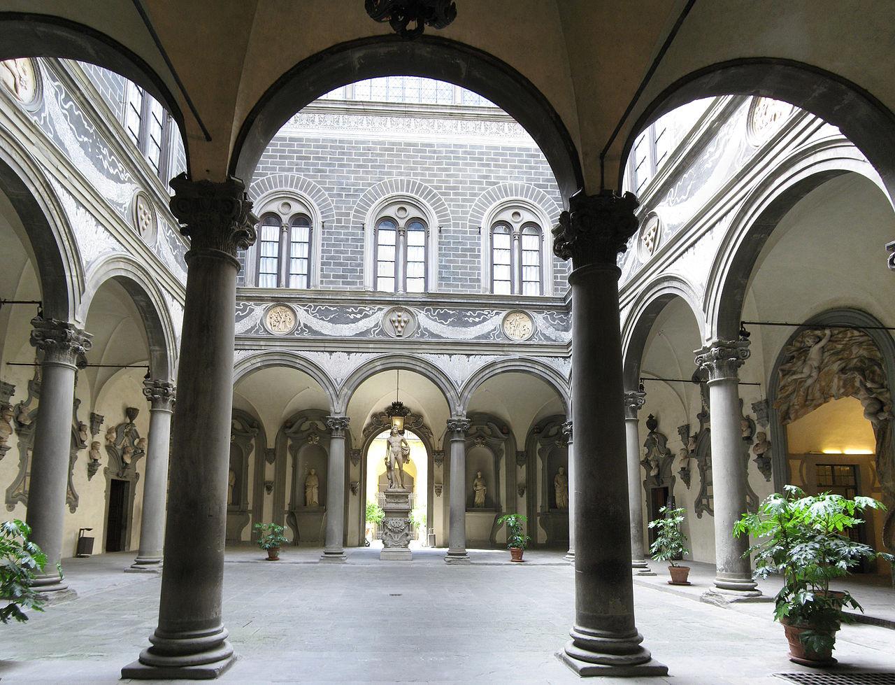 Il Cortile di Michelozzo in Palazzo Medici Riccardi, sede della Città Metropolitana di Firenze