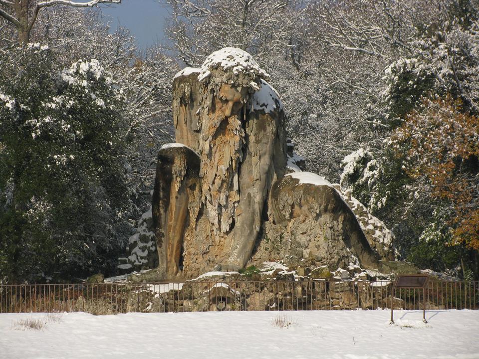 Il Gigante dell'Appennino sotto la neve