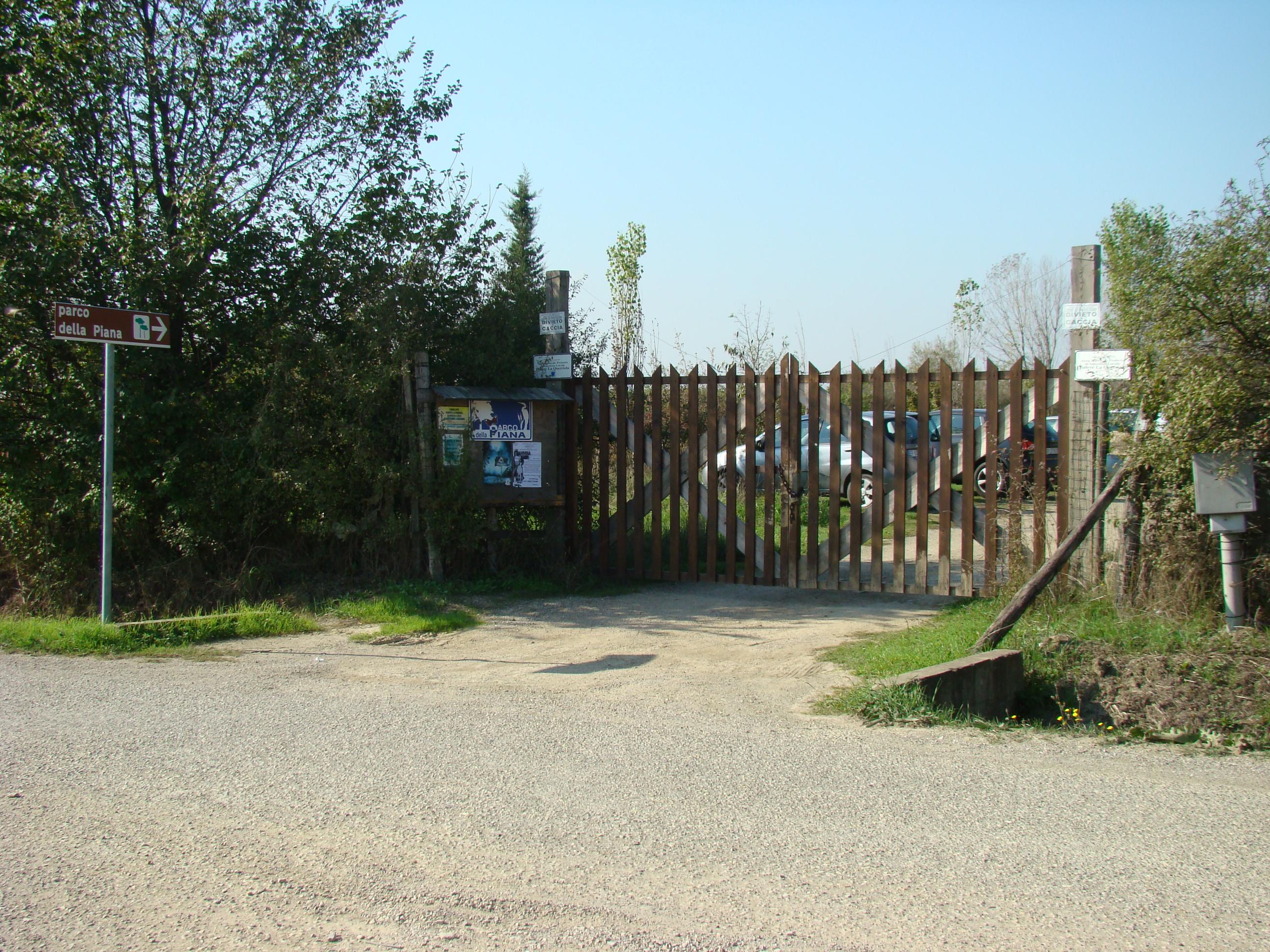 Cancello d'ingresso all'area protetta Podere La Querciola (di Giuliana Profeti)