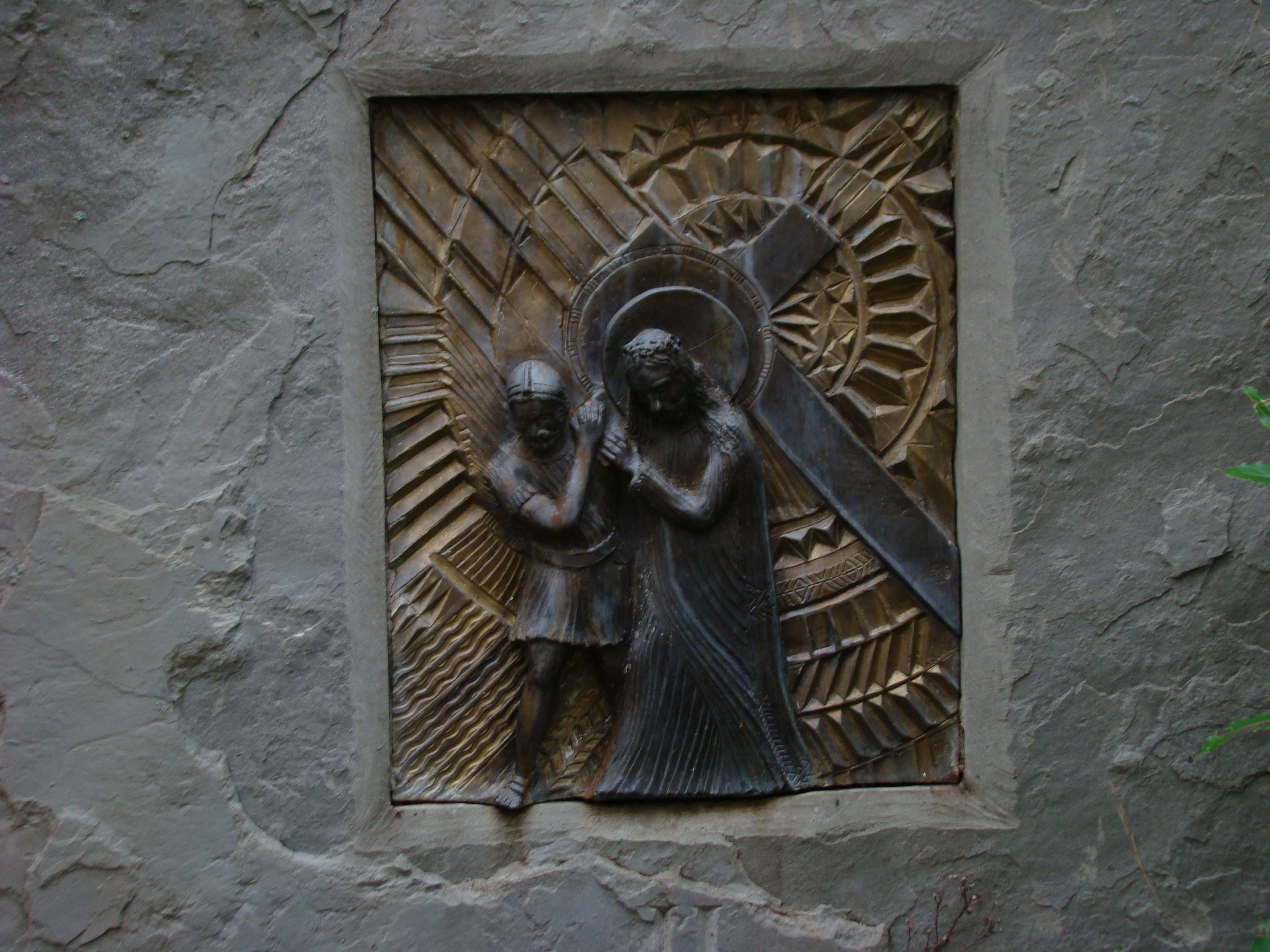 Seconda stazione della Via Crucis lungo la Via del Sasso (di Giuliana Profeti)
