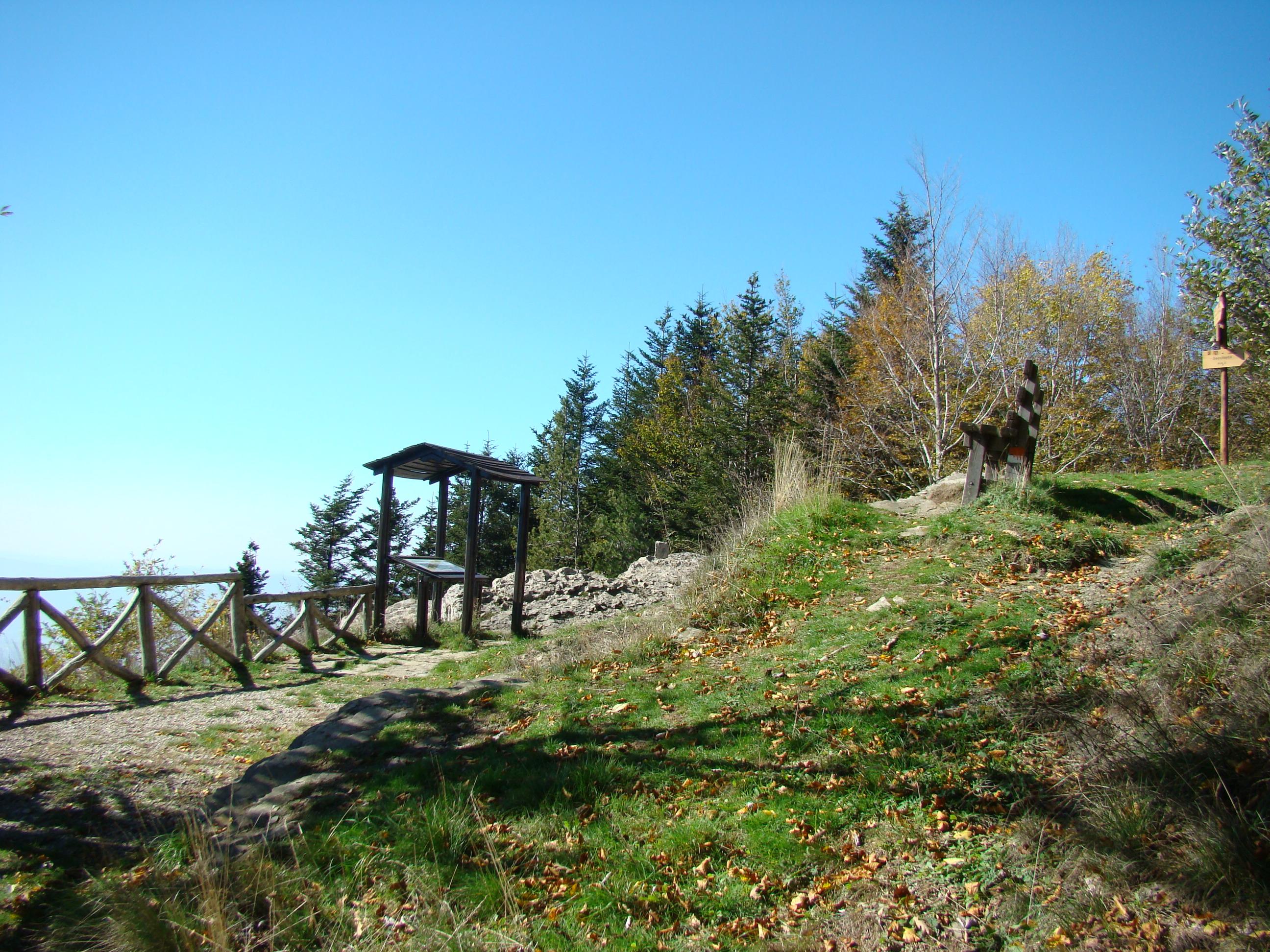 Belvedere sul punto panoramico vicino alla Capanna delle Guardie (di Giuliana Profeti)