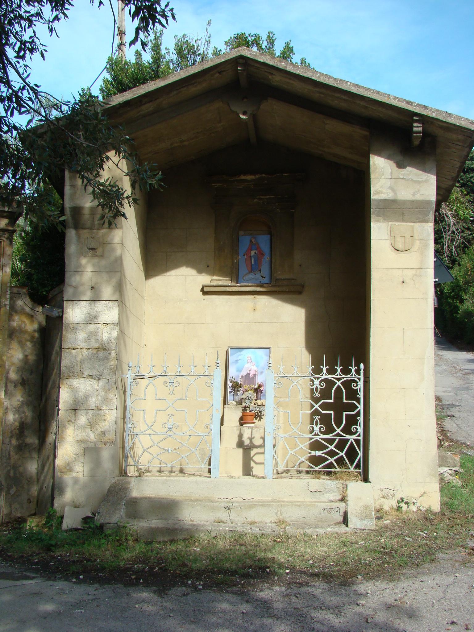 Cappella sulla Via di Serpiolle (di Giuliana Profeti)