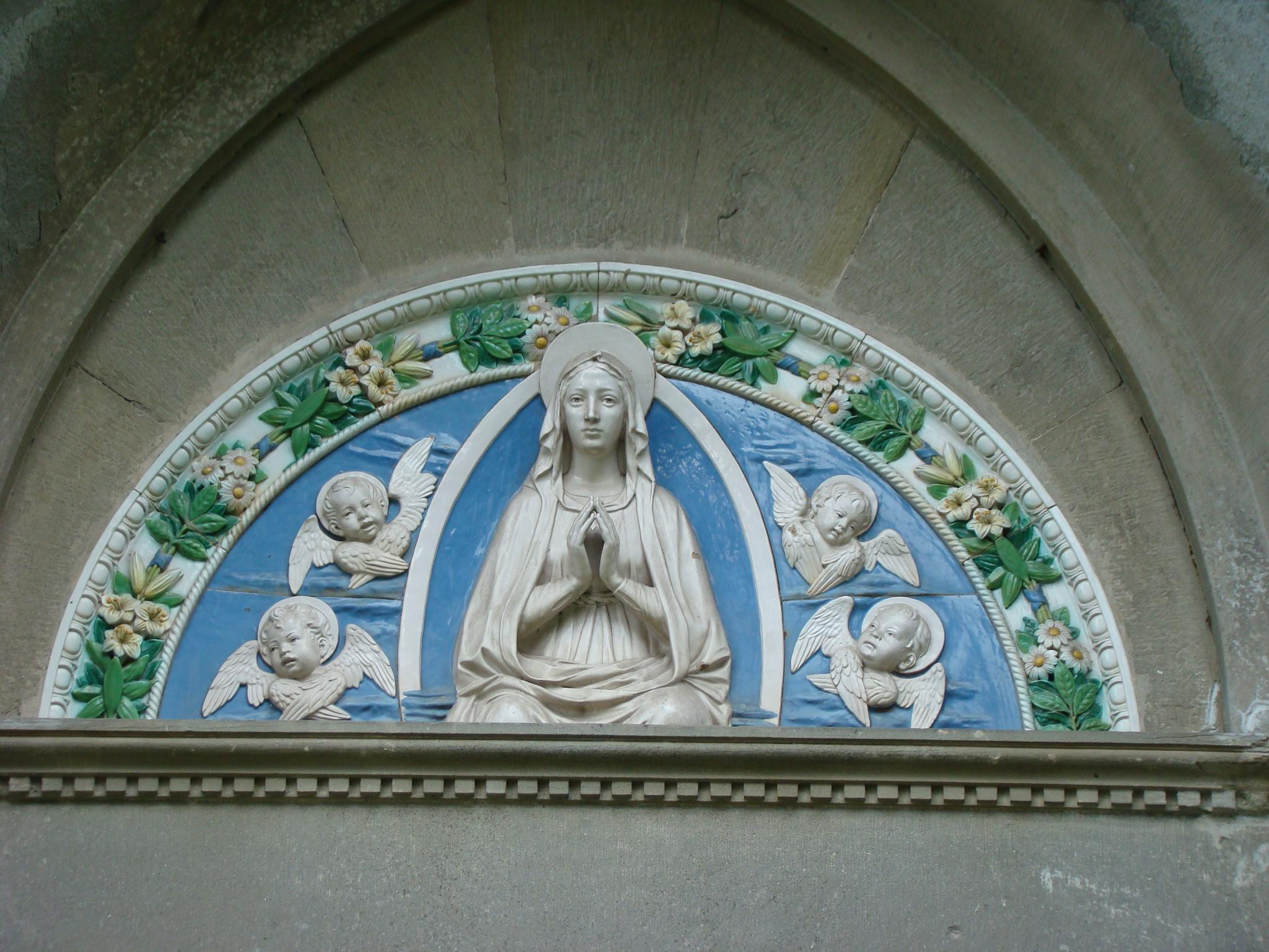 Chiesa di San Matteo e Santa Cecilia a Covigliaio, dettaglio della facciata (di Giuliana Profeti)