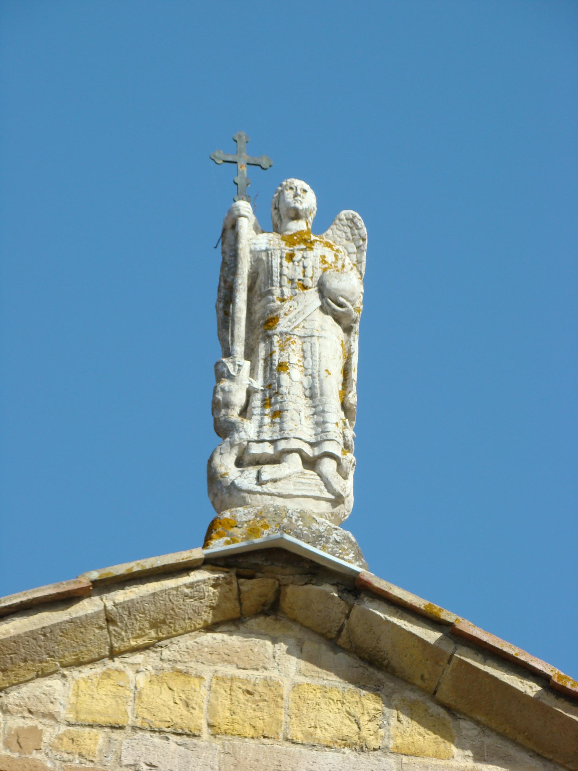 Angelo sulla facciata della Chiesa della Badia a Passignano (di Giuliana Profeti)