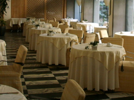 Hotel- fonte Wikimedia Sailko