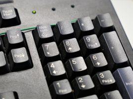 Una tastiera per indicare il concorso per istruttore contabile