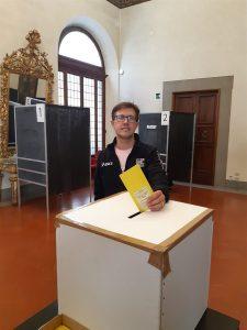 Il Sindaco Dario Nardella al seggio in Palazzo Medici Riccardi