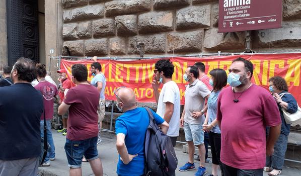 Manifestazione dei dipendenti della Gkn davanti a Palazzo Medici Riccardi