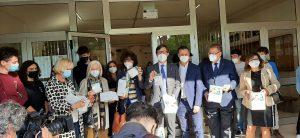 Mascherine Ffp2 in dono alle scuole