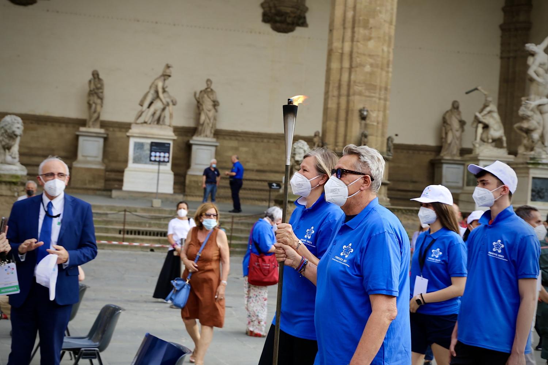 Olimpiadi metropolitane - La fiaccola arriva in Piazza della Signoria