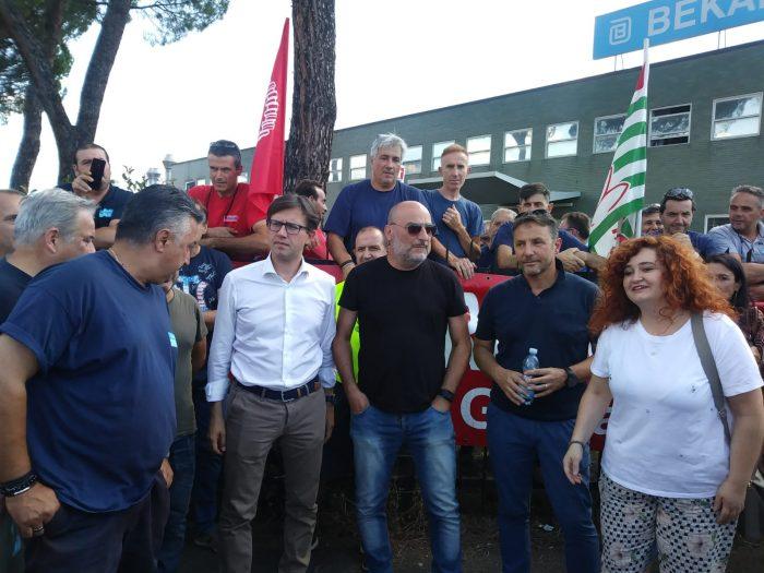 Il Sindaco Nardella con i lavoratori della Bekaert